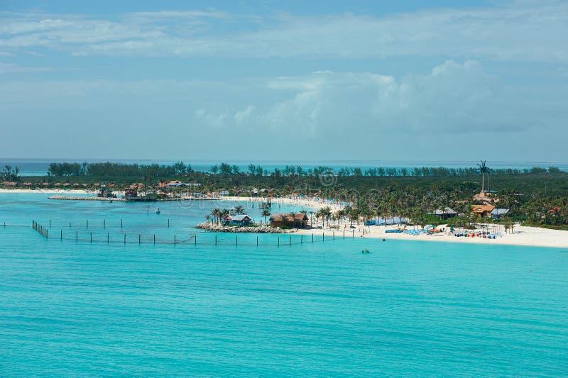 在海滩的鸟瞰图在巴哈马 免版税图库摄影