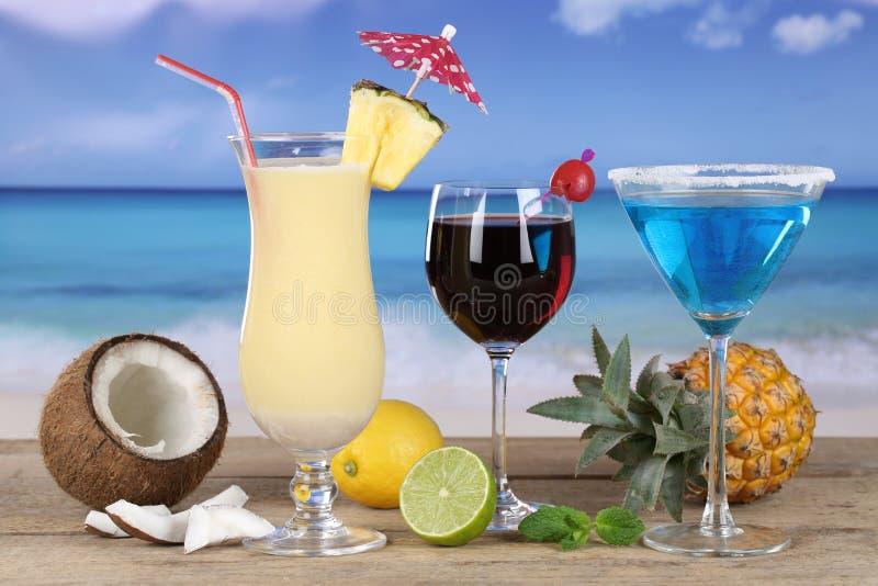 在海滩的鸡尾酒 库存照片