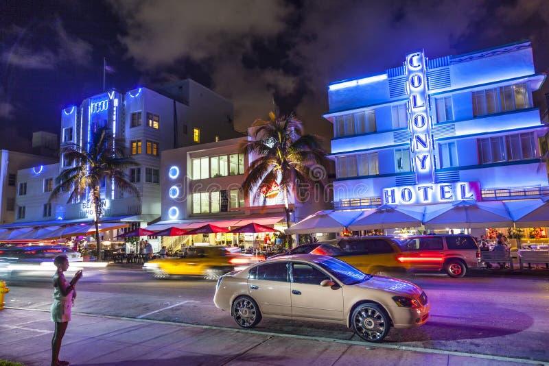 在海洋驱动的夜视图在迈阿密海滩,佛罗里达 免版税库存照片
