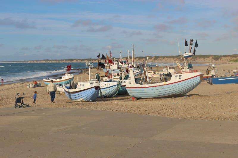在海滩,丹麦,欧洲的渔船 库存图片