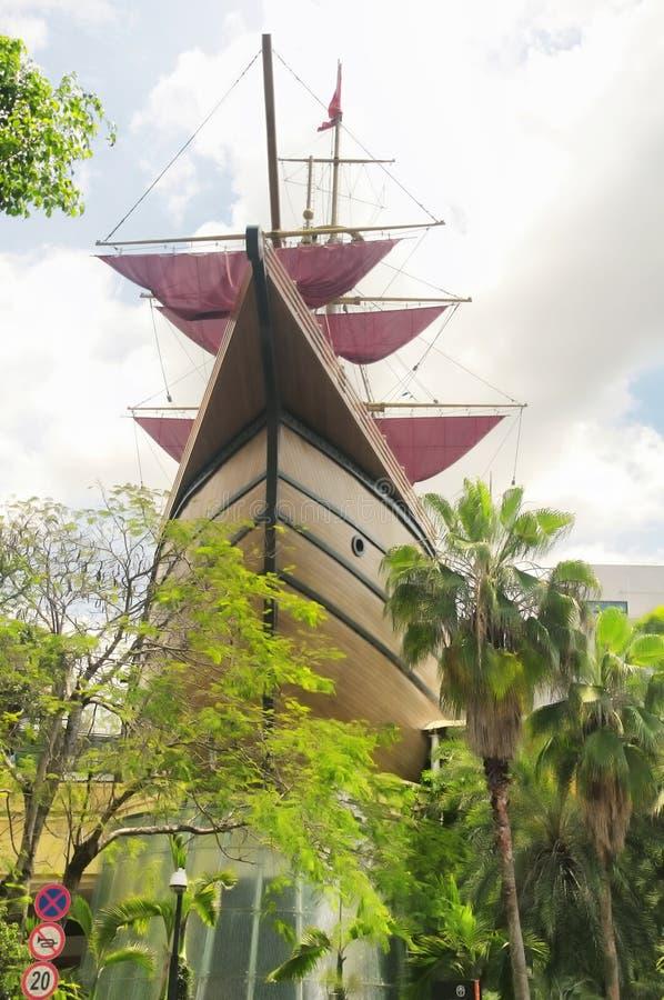 在深圳瓷的复制品船 免版税库存照片