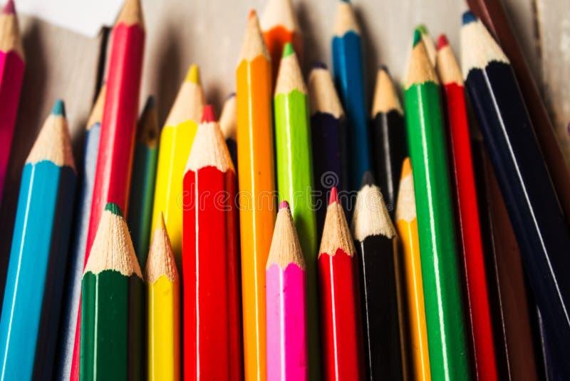 在混乱的颜色铅笔 图库摄影