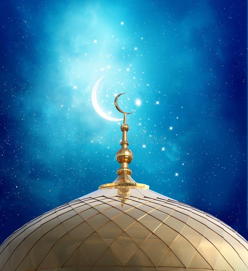 在清真寺的上面的新月形月亮 皇族释放例证