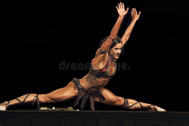 在温哥华比赛的华丽的健身表现 图库摄影