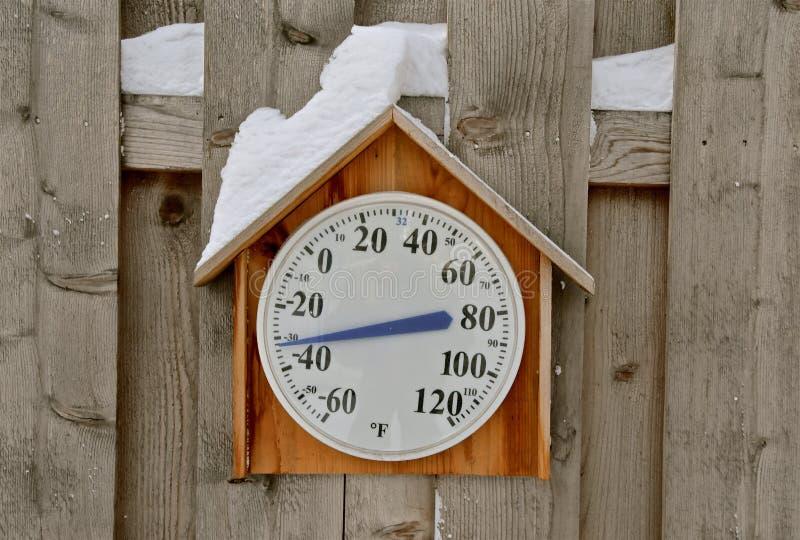 在温度计记录的酷寒温度 图库摄影