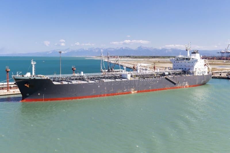 在港口停住的邮轮船 免版税图库摄影