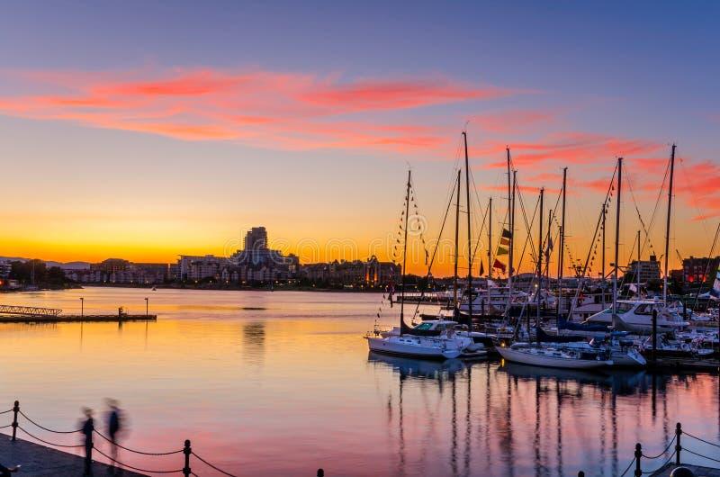 在港口的惊人的日落 免版税库存图片