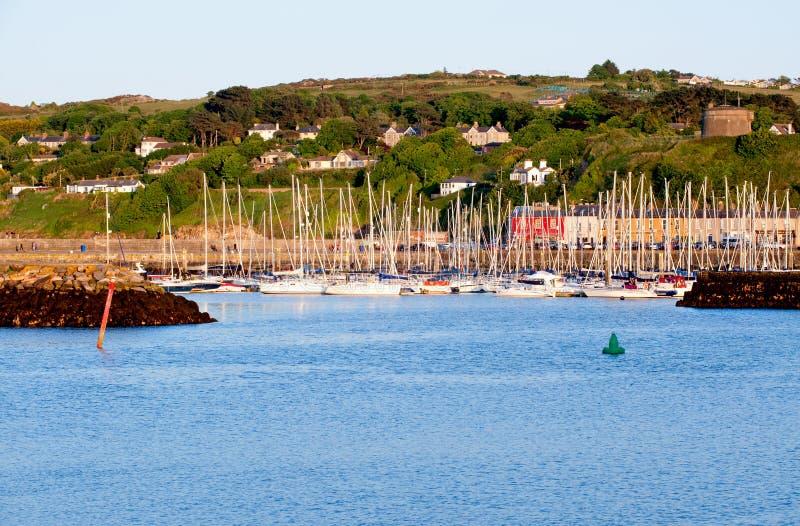 在港口的看法Howth半岛的 免版税库存图片