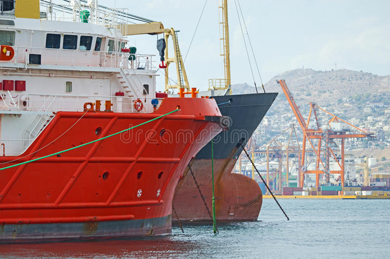 在港口的船 免版税库存图片