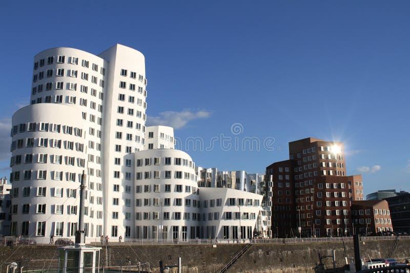 在港口的Neuer Zollhof在杜塞尔多夫,德国 库存图片