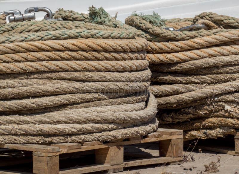 在港os西班牙的老钓鱼的绳索 库存图片