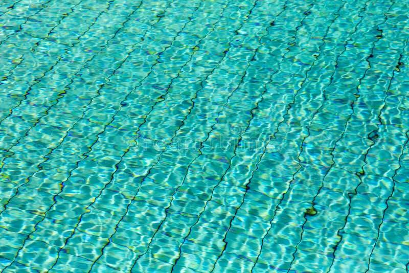 在游泳池的水 库存图片