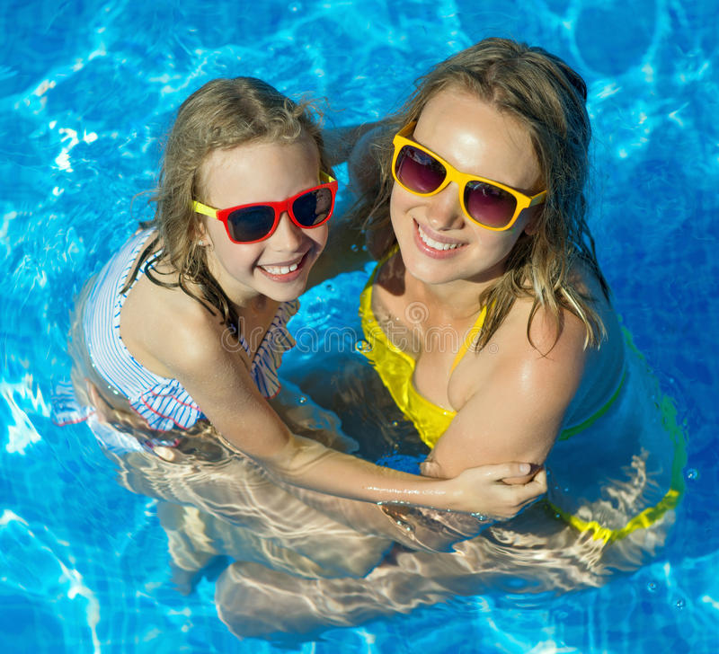 在游泳池的系列 库存图片