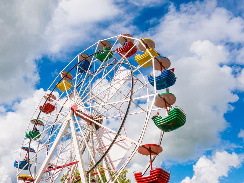 在游艺集市的弗累斯大转轮或旅行的狂欢节在多克姆, Friesl 库存图片