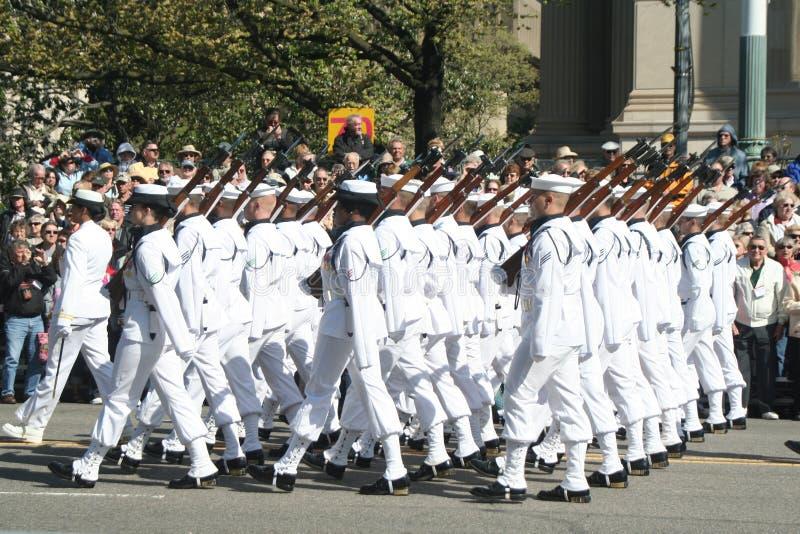 在游行的美国海军 免版税库存照片