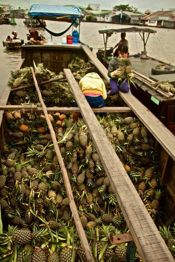 在湄公河三角洲的浮动市场,越南 图库摄影