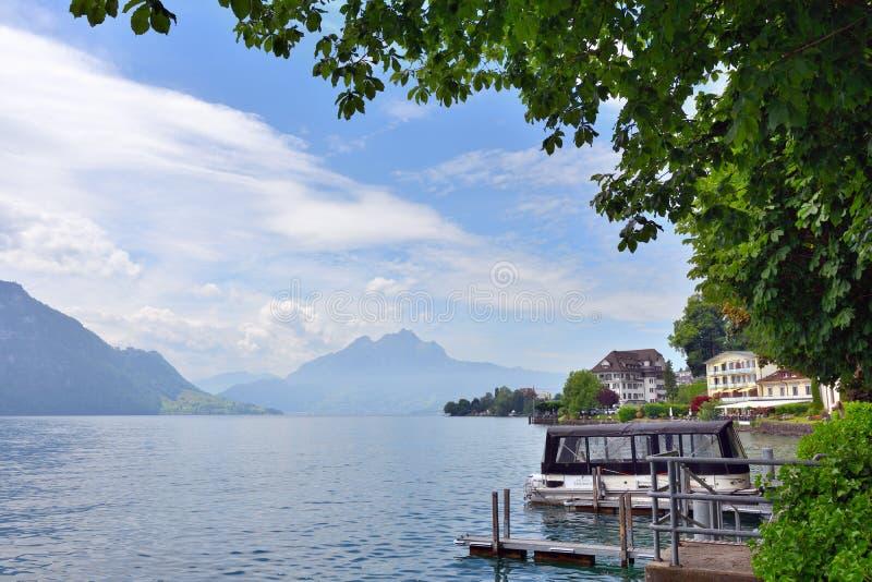 在湖琉森地区附近的市Vitznau环境美化 库存图片