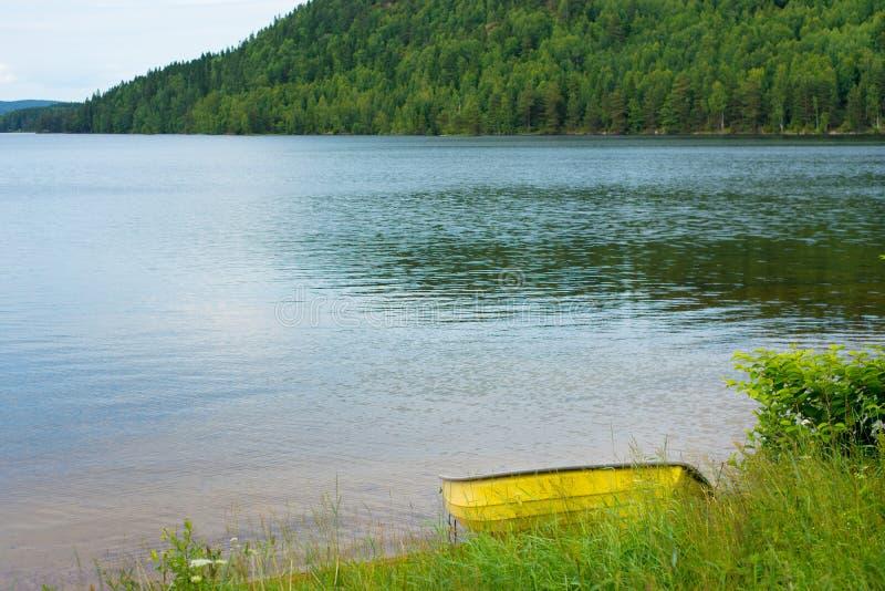 在湖的小船在瑞典 免版税图库摄影