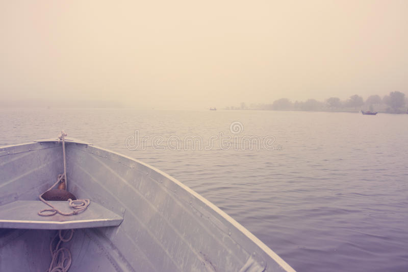 在湖的小船早晨 图库摄影
