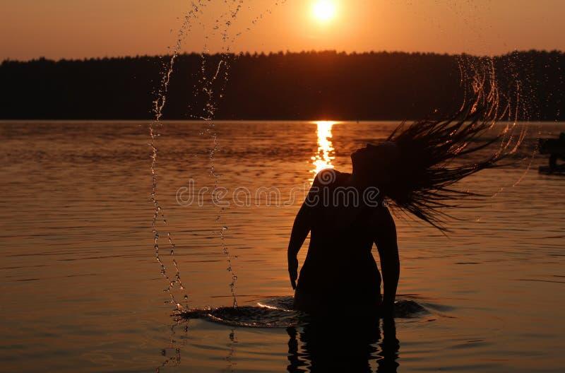 在湖的日落假日 免版税库存照片