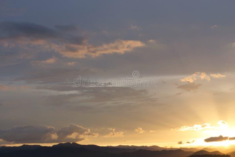 在湖的日落泰国的南部的 库存图片