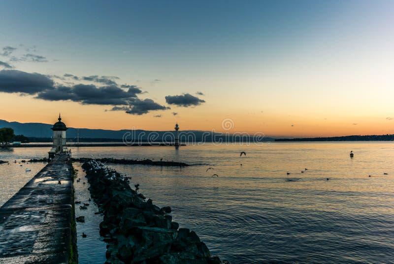 在湖的灯塔日内瓦- 2 免版税库存图片