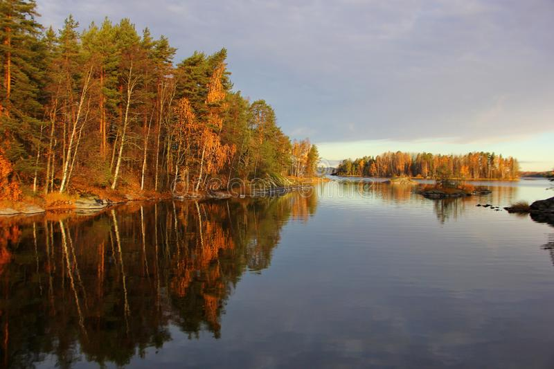 在湖的美好的片刻 库存照片