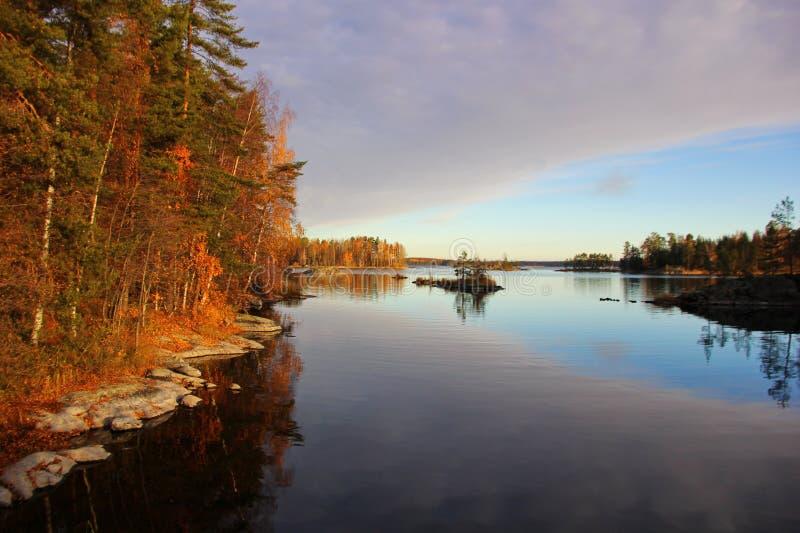 在湖的美好的片刻 库存图片