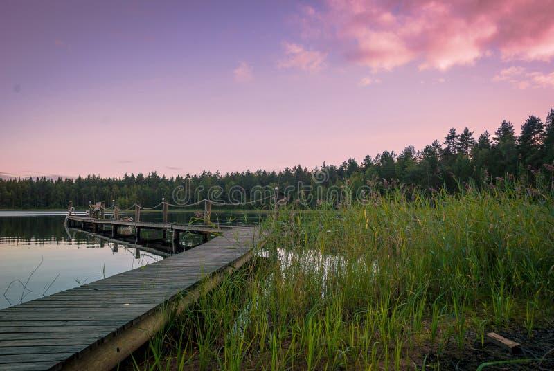在湖的黄昏在芬兰 免版税库存照片