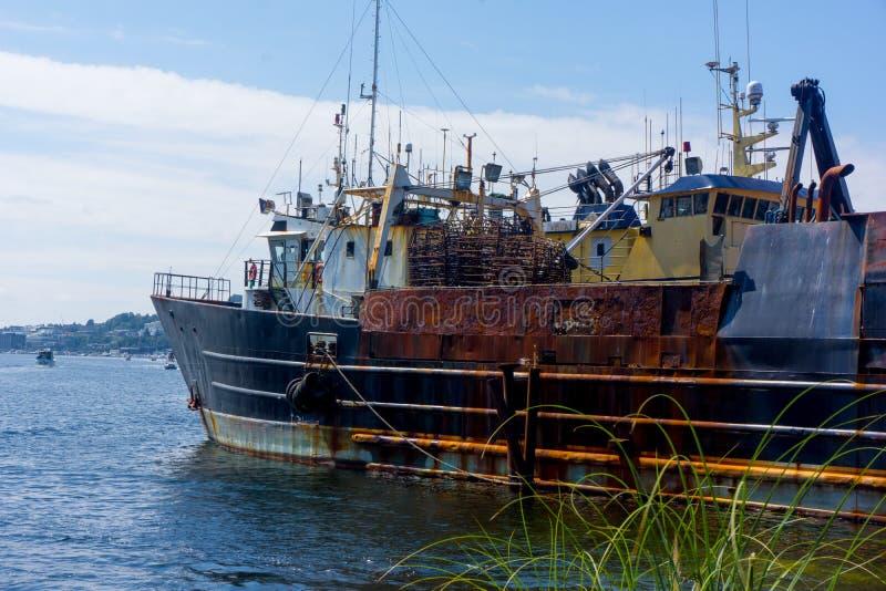 在湖联合的侧航小船在西雅图附近 库存照片