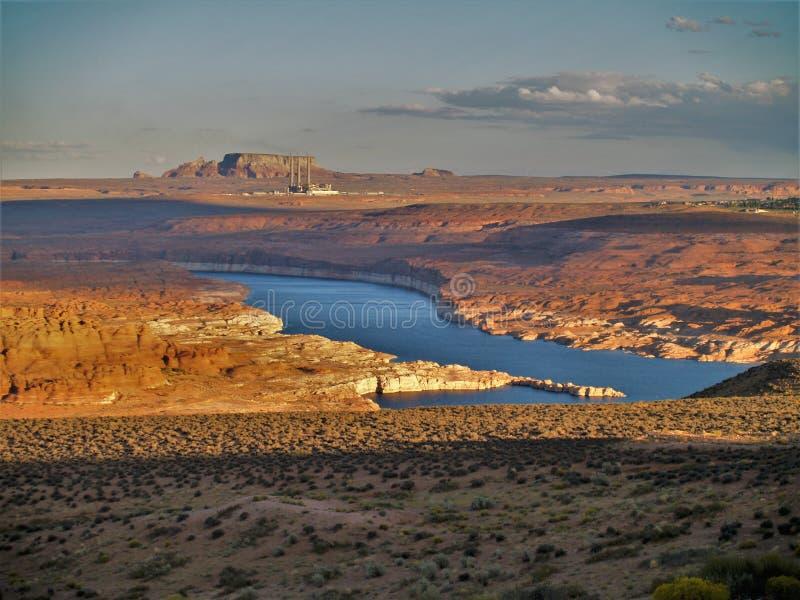 在湖鲍威尔的日落页的,亚利桑那 免版税图库摄影