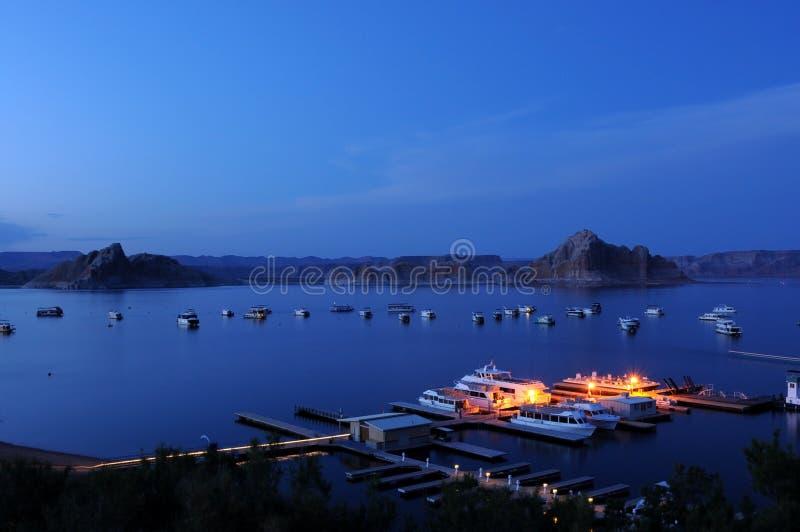 在湖鲍威尔的蓝色夜 免版税图库摄影
