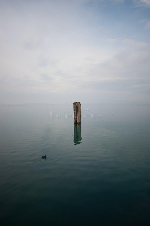 在湖,苍白 免版税图库摄影