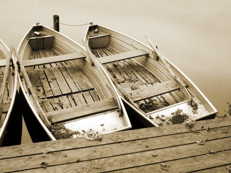 在湖(26)的小船 免版税库存图片