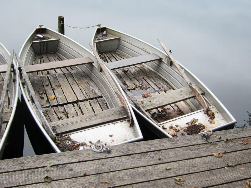 在湖27的小船 免版税库存照片