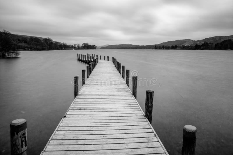 在湖Coniston的跳船在湖区 免版税图库摄影