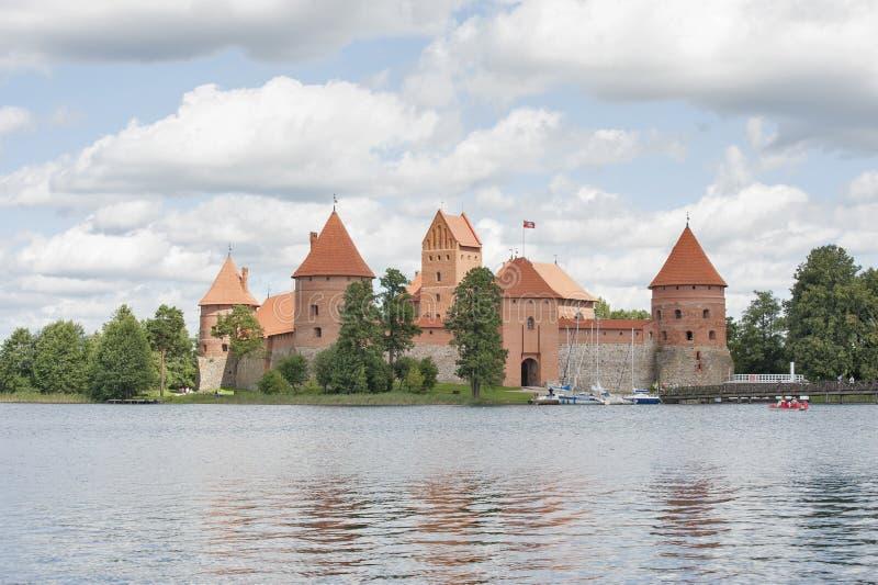 在湖Galve (立陶宛)的特拉凯城堡 库存图片