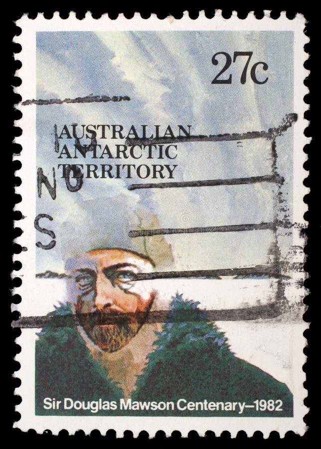 在澳大利亚Antartic疆土打印的邮票致力了道格拉斯莫森先生 免版税库存照片
