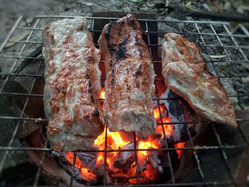在火炉的烤猪肉 库存图片