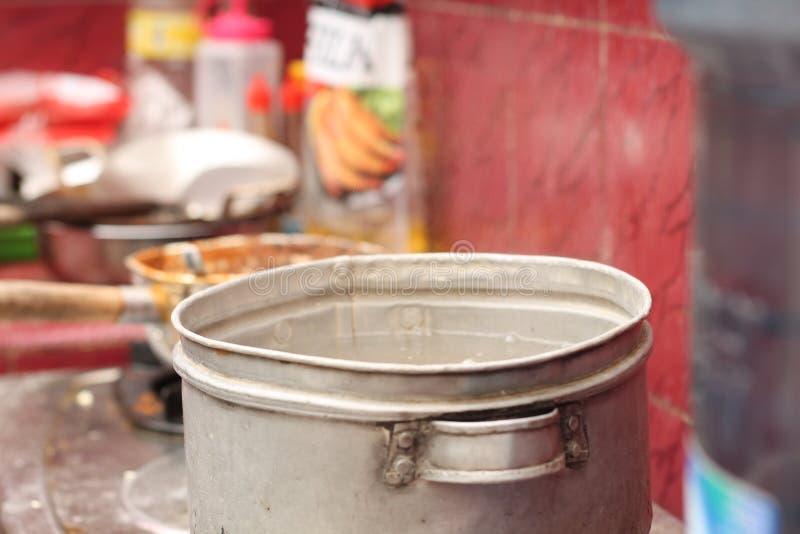 在火炉的烹调用水,版本8 免版税库存照片