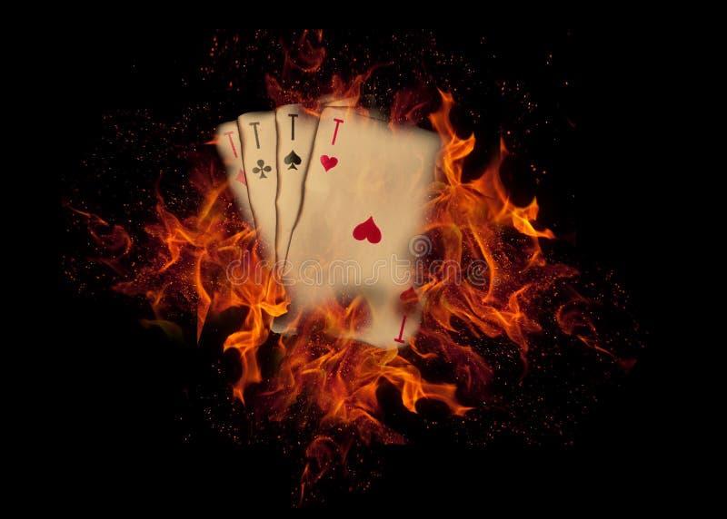 在火的纸牌 赌博娱乐场概念 免版税库存照片