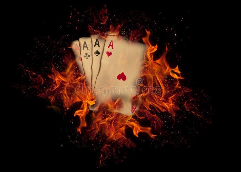 在火的纸牌 赌博娱乐场概念 库存照片
