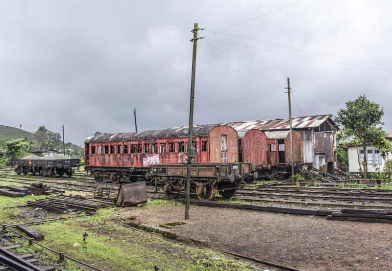 在火车站的老火车在努沃勒埃利耶 免版税图库摄影