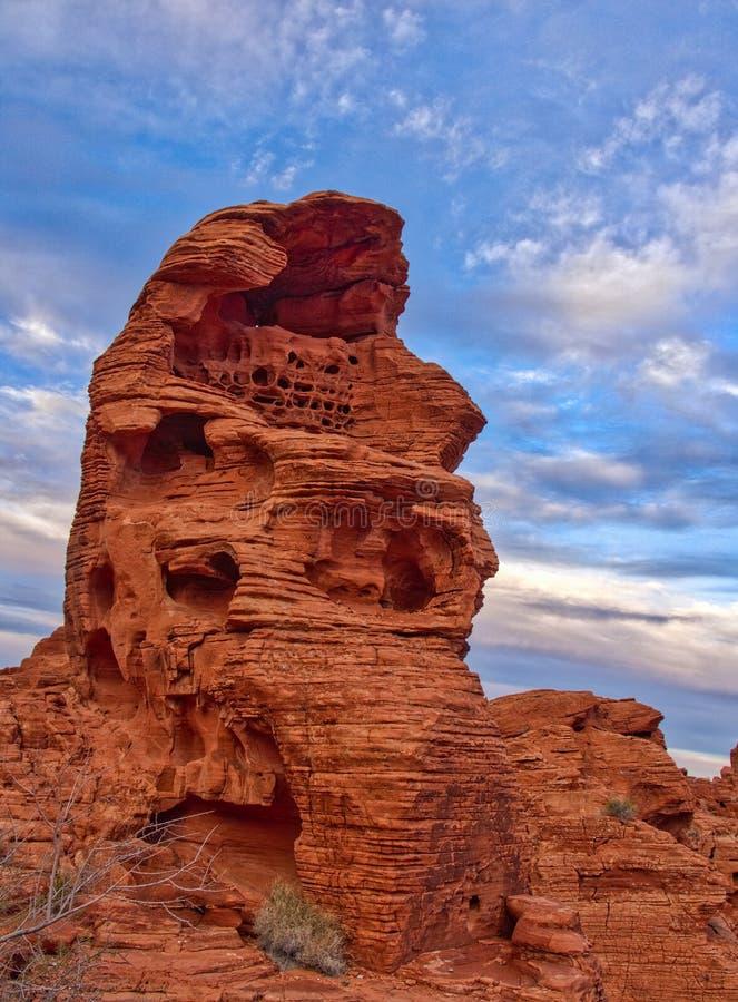 在火,内华达,美国谷的红色岩石结构  免版税库存图片