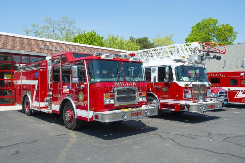在火Dept在米利斯,MA,美国的消防车 图库摄影