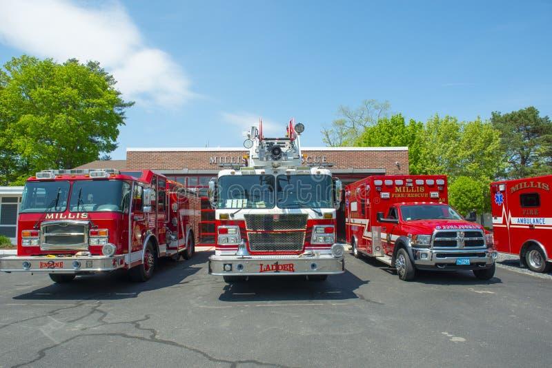 在火Dept在米利斯,MA,美国的消防车 库存图片