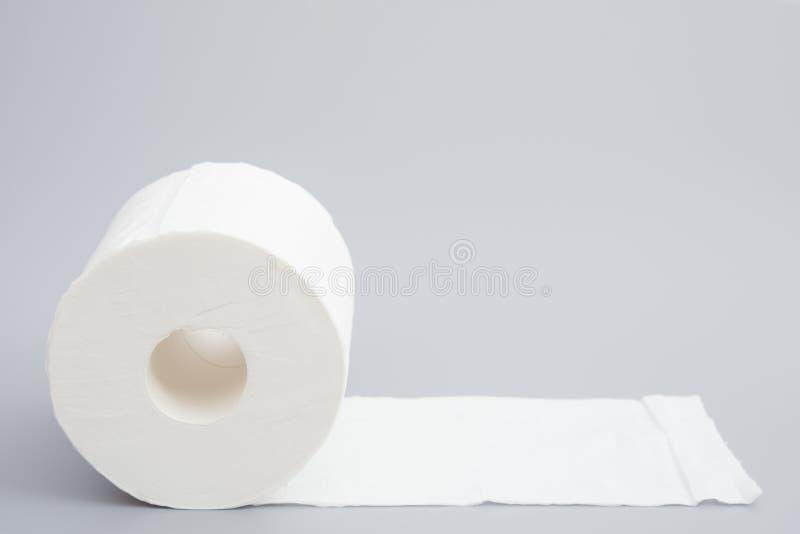 在灰色的卫生纸 免版税库存照片