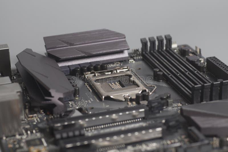 在灰色背景的主板计算机 免版税图库摄影