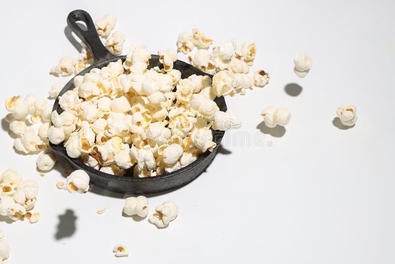 在炸锅的玉米花 图库摄影