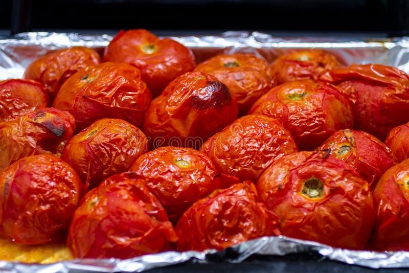 在烤箱的被炖的蕃茄 库存照片